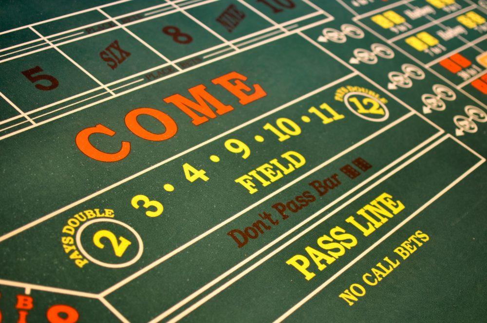 Een echte craps layout in een fysieke casino